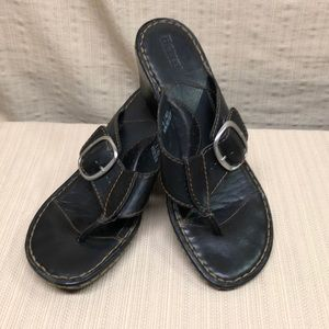 Born Black Leather Thong T-Strap Wedge Sandals 9M